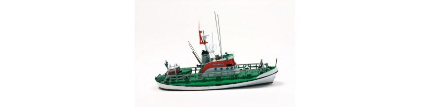 Barcos mercantes y de pesca